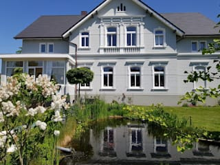 Classic style houses by CENTURY 21 Deutschland Classic