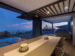House Ocean View 331 Fresnaye:  Balcony by KMMA architects