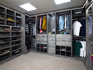 Walk in Wardrobes: modern  by Metro Wardrobes London, Modern