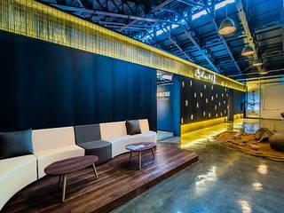 복합문화공간 – 공연홀 인더스트리얼 스타일 전시장 by 내츄럴디자인컴퍼니 인더스트리얼