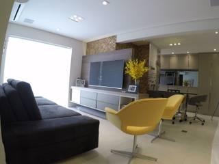 REFORMA APARTAMENTO ALTO PADRÃO | MOEMA | 76 M² ABBITÁ arquitetura Salas de estar modernas Bege