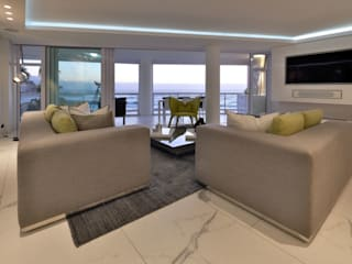 Penthouse The President Bantry Bay:  Living room by KMMA architects