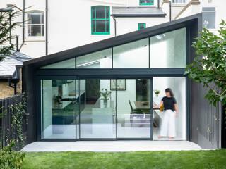 Cranfield Road Modern Houses by Gruff Modern