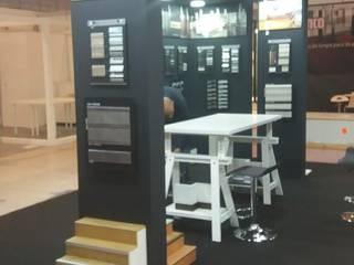 Locaux commerciaux & Magasin modernes par Volo Vinis Moderne