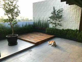 Jardines de estilo moderno de Huatan Moderno