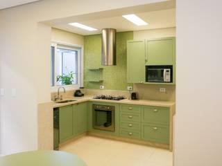 Casa RS Cozinhas clássicas por Lozí - Projeto e Obra Clássico