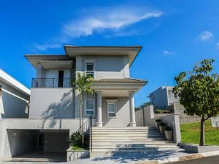 Casa RS Casas clássicas por Lozí - Projeto e Obra Clássico