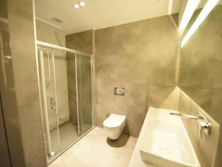 現代浴室設計點子、靈感&圖片 根據 Orby İnşaat Mimarlık 現代風