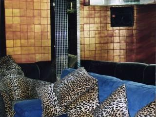 Klassischer Multimedia-Raum von Pintura decorativa de interiores Irmapenna Klassisch