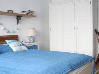 Phòng ngủ phong cách Địa Trung Hải bởi archJudyta Aranżacja Wnętrz Địa Trung Hải