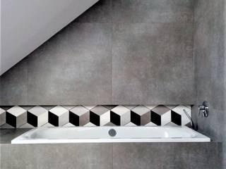 Łazienka z mozaiką heksagonalną Wkwadrat Architekt Wnętrz Toruń Minimalistyczna łazienka Płytki Szary