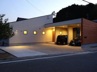 建築家 田辺真明先生の作品「余白を楽しむ家」: アールプラスハウス 津(株式会社高正工務店)が手掛けた一戸建て住宅です。,