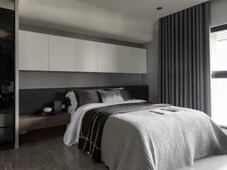 Schlafzimmer von 齊家。空間設計, Minimalistisch