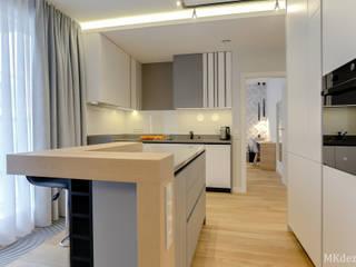 Nowoczesne mieszkanie w Wilanowie Nowoczesna kuchnia od MKdezere projektowanie wnętrz Nowoczesny