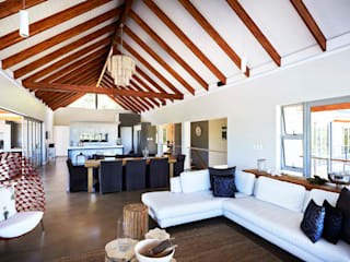 House in Simbithi, Ballito:  Living room by John Smillie Architects,