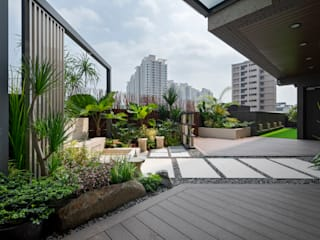 Tropical style balcony, veranda & terrace by 大地工房景觀公司 Tropical