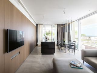 Modern Living Room by TM Italia Modern