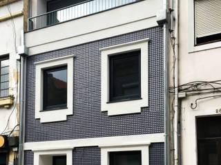 Reconstrução de Edifício Multi-familiar, Rua Eça de Queiroz, Aveiro por GAAPE - ARQUITECTURA, PLANEAMENTO E ENGENHARIA, LDA Moderno