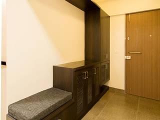 Residence in Hinjewadi, Pune Modern corridor, hallway & stairs by VU Design Studio Modern