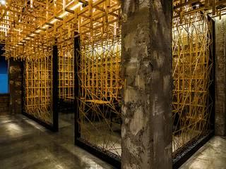 복합문화공간 - 카페 '마당' 인더스트리얼 스타일 바 & 클럽 by 내츄럴디자인컴퍼니 인더스트리얼