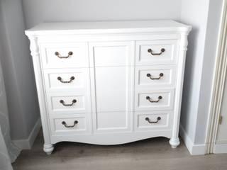 Cómoda lacada en color blanco:  de estilo  de Losadart Técnicas Decorativas, S.L., Minimalista
