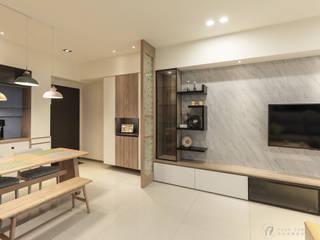 CAI House‧鳳凰時代 現代風玄關、走廊與階梯 根據 元作空間設計 現代風