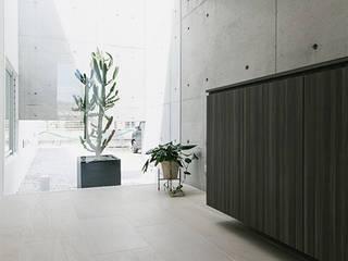 Corridor & hallway by 株式会社クレールアーキラボ, Eclectic