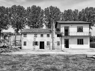 Ristrutturazione e ampliamento Villa a Padova di Spazio Positivo Moderno