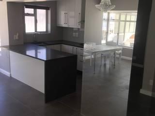 Sea Point Vishay Interiors Modern kitchen