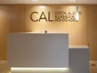 Klassische Bürogebäude von Viviane Cunha Arquitectura Klassisch