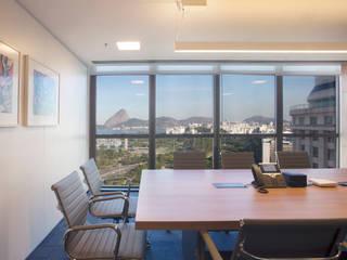 Office buildings by Viviane Cunha Arquitetura