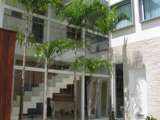 Houses by Viviane Cunha Arquitetura