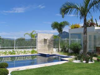 Pool by Viviane Cunha Arquitetura