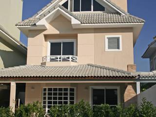 Grupamento Unifamiliar - Casas Geminadas FERNANDA SALLES ARQUITETURA Casas clássicas