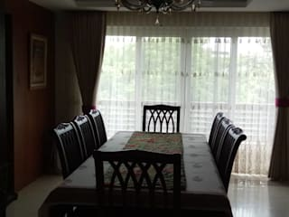 Panchsheela park :  Dining room by Liveup Homes