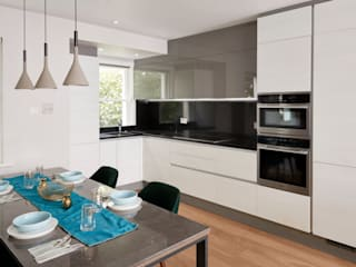 Belgravia Mews House Urbanist Architecture Built-in kitchens Metal White