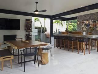 Muebles de Exterior:  de estilo  por Punto Cero