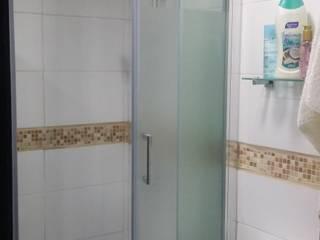 AOG Baños de estilo minimalista Cerámico Blanco