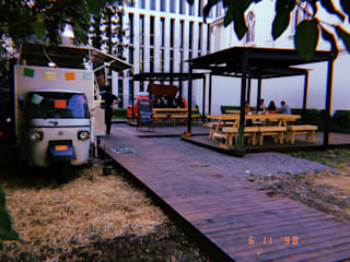 Patio de Bolsillo American Food Truckers - U. Autonoma B+2 Restaurantes