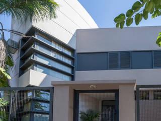 Casa Capelusnik: Casas de estilo  por Literat Arquitectura de Avanzada