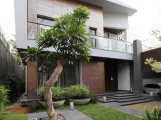 Sunil Reddy House:  Houses by PSP Design,