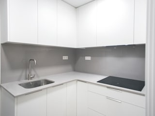 Kitchen by Grupo Inventia