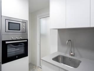 مطبخ ذو قطع مدمجة تنفيذ Grupo Inventia