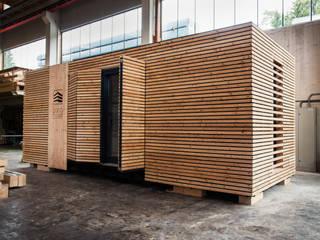 Chalet am See:  Kleines Haus von WoodCube GmbH