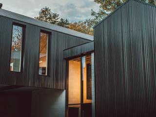 Corn Yard Modern houses by CODA Bespoke Modern