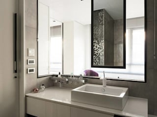 modren toilet concept Modern bathroom by Square Designs Modern