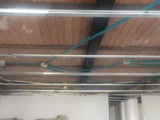 Remodelacion de apartamento : Techos planos de estilo  por Construferreteria,