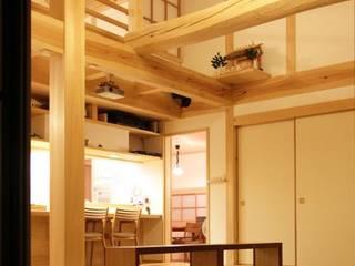 むくり屋根の家 和風デザインの リビング の 永井政光建築設計事務所 和風