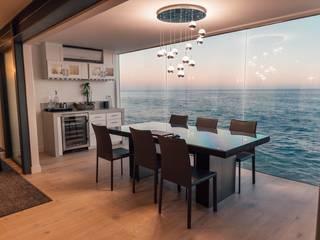 :  Dining room by Navin Ramalingam,