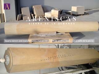 Balkon, Beranda & Teras Gaya Mediteran Oleh Areniscas Sierra de la Demanda - ◉ - SIERRA Buff Sandstone quarries in Spain Mediteran